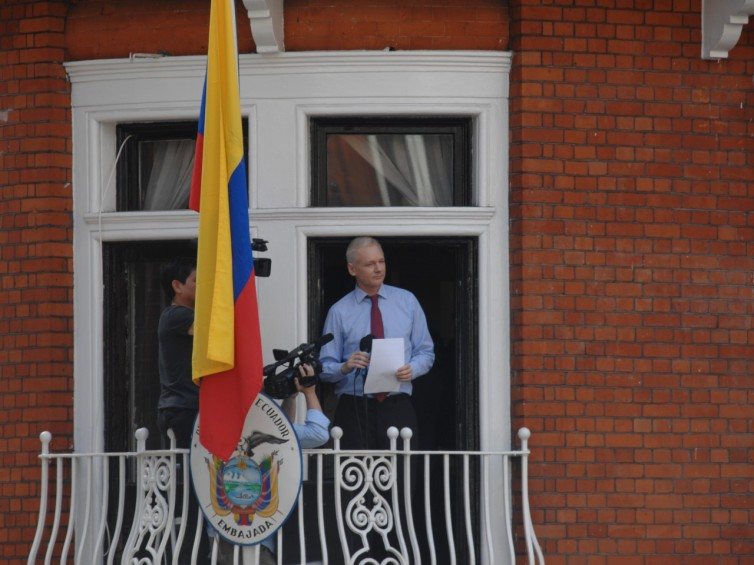 Julian_Assange_in_Ecuadorian_Embassy-1280x960