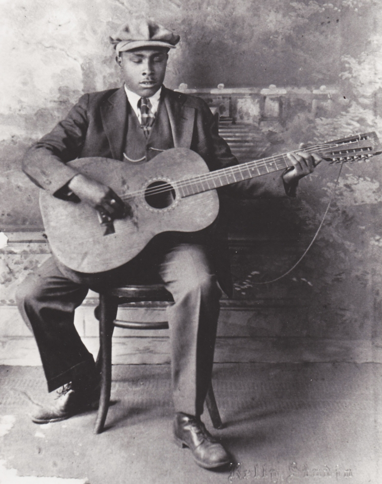Blind-Willie-McTell-with-Stella-12-string2