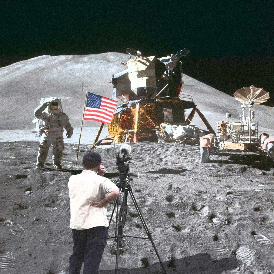 camera-man-on-the-moon-59781